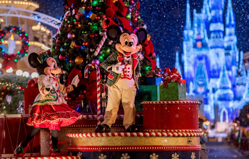 12 Must-Do Experiences During the Holidays at Walt Disney World